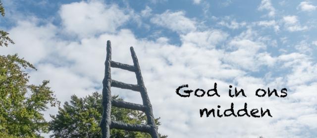 God in ons midden banner